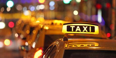 Risultati immagini per taxi