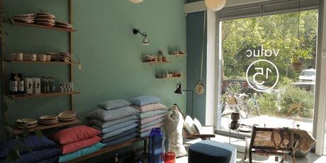 valuc15. Black Bedroom Furniture Sets. Home Design Ideas