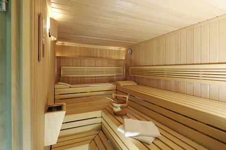 nh berlin alexanderplatz. Black Bedroom Furniture Sets. Home Design Ideas