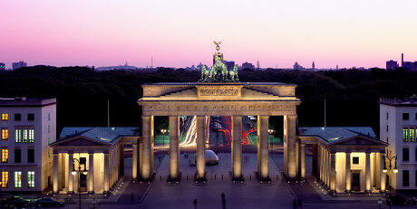 Brandenburger Tor mit Sonnenuntergang in Berlin