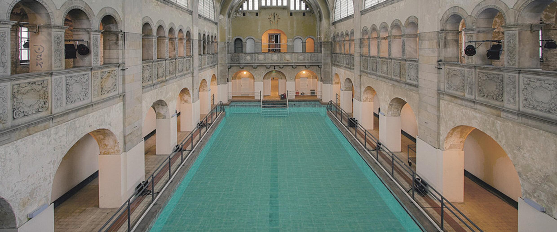 Indoor swimming pools   visitBerlin.de