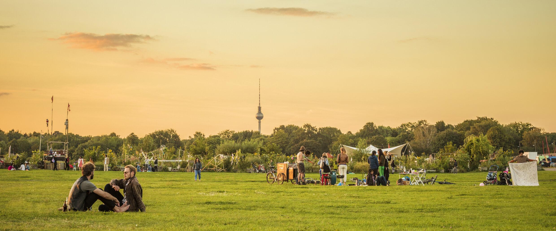 Tempelhofer Feld (Tempelhof Field) | visitBerlin.de
