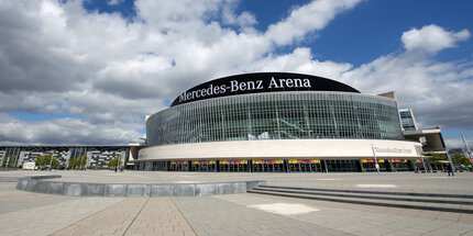 Sport in berlin for Hotels near the mercedes benz stadium