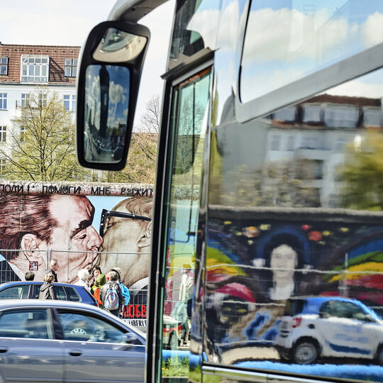 Bus tour along the East Side Gallery in Berlin
