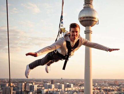 Base Flying from the Park Inn Hotel - une véritable attraction à Berlin