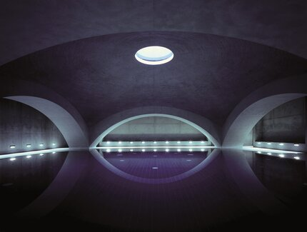 Liquidrom with salt water pool and under water music