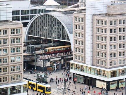 Shopping Am Alexanderplatz Visitberlin De