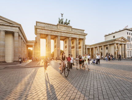 Berlins Brandenburg Gate in Berlin in sunset