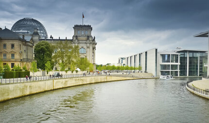 Reichstag and Gouvernment buildings in Berlin