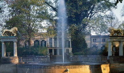 Glienicke Palace with fountain in Berlin
