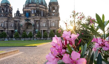 Dating berlin english Berlin - Official Website of the City of Berlin, Capital of Germany –
