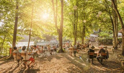 Beer garden at Schlachtensee in Berlin